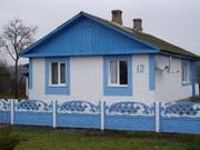 Жилой дом в деревне у озера